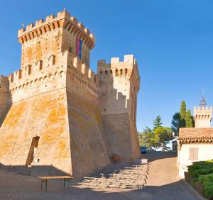 La rocca di Offagna - immagine tratta da www.rivieradelconero.info