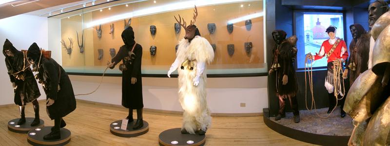 Una sala del Museo delle Maschere di Mamoiada