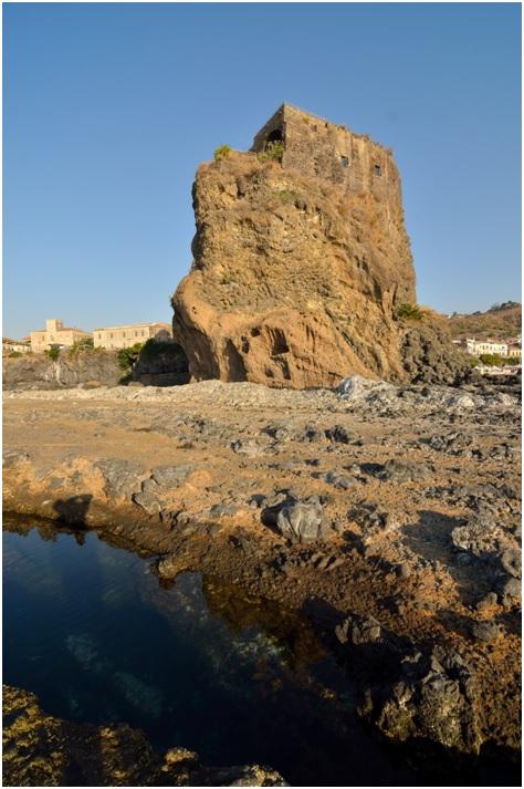 Il castello normanno di Acicastello